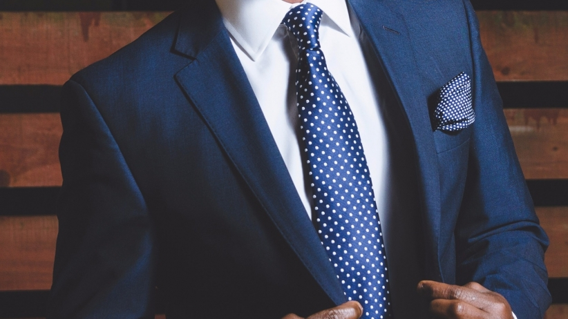 džentlmen oblek kravata kodex džentlmena sako
