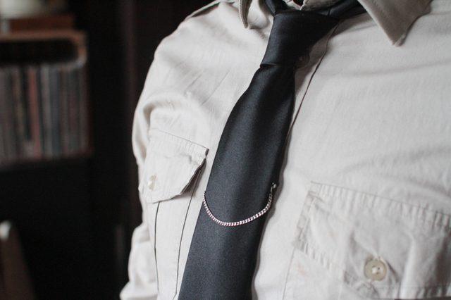 retiazka na kravatu, džentlmen, oblek sako, kodex džentlmena, kodex gentlemana