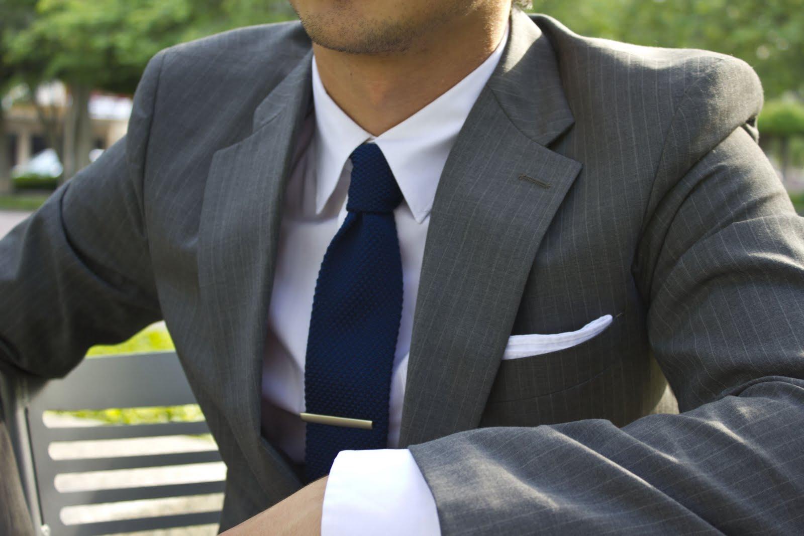 džentlmen, sako, oblek, kravata, košeľa, biela košeľa, spona na kravatu